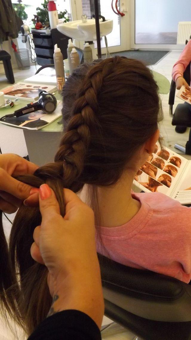 Frisuren Friseur Salon Haarmonie Huckelhoven Kosmetik Haarschnitte